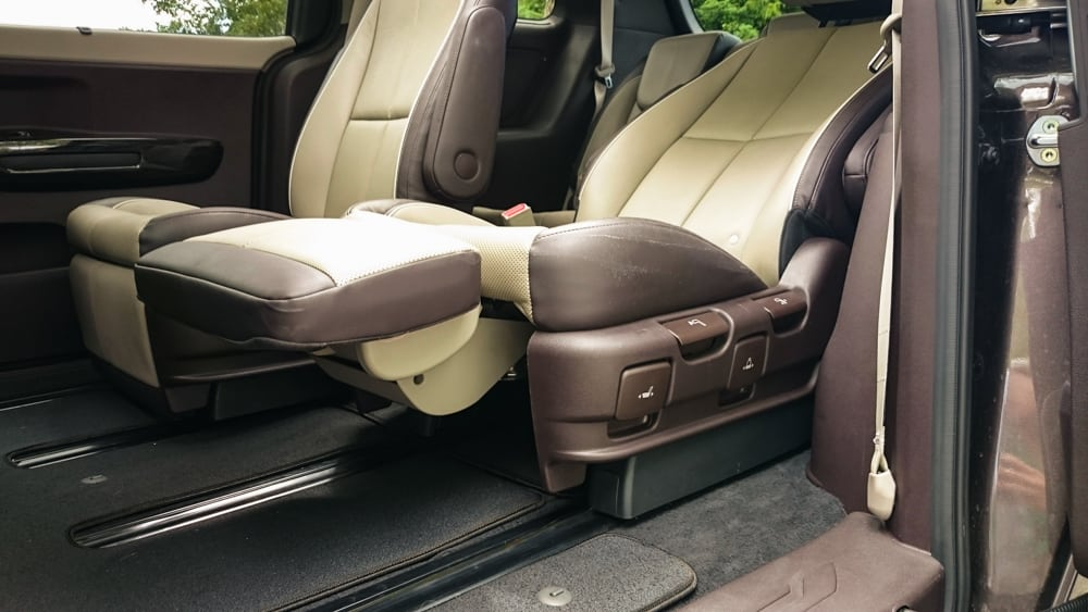 Kia S 2015 Sedona Offers True Lounge Chair Experience