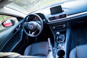This Mazda3 has a fully manual gearbox, requiring drivers to pay attention to driving.