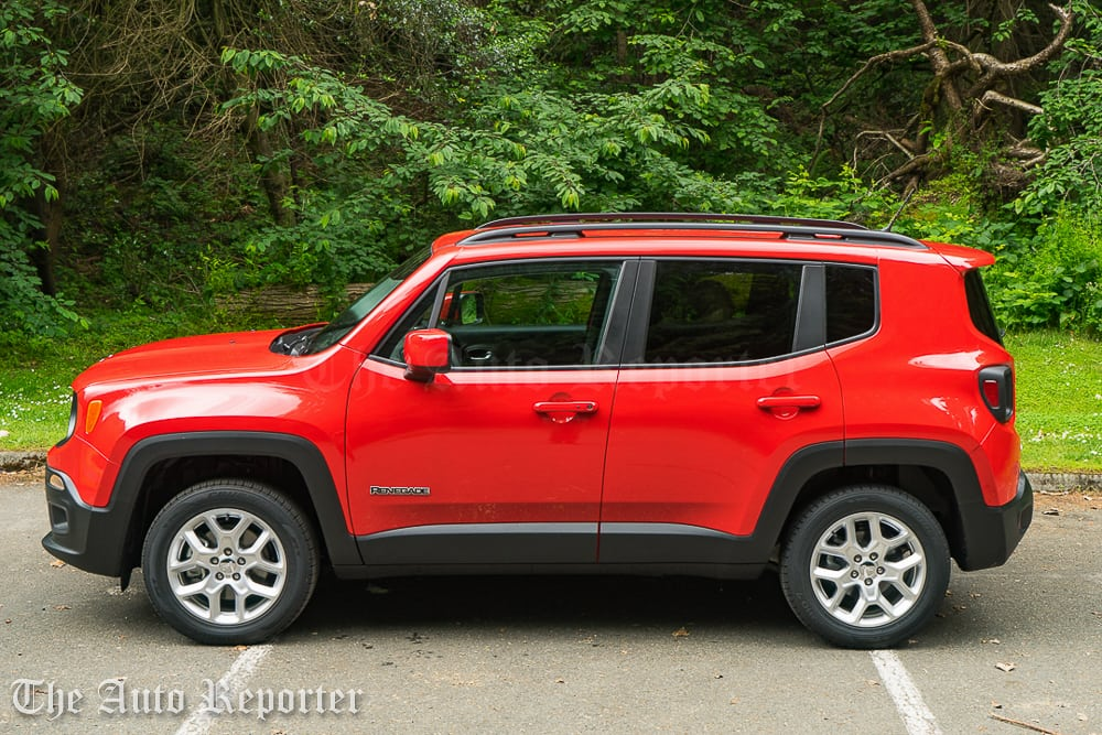 2016 jeep renegade 4x4 gallery the auto reporter. Black Bedroom Furniture Sets. Home Design Ideas