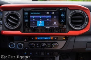 2016 Toyota Tacoma TRD Pro 4x4_01