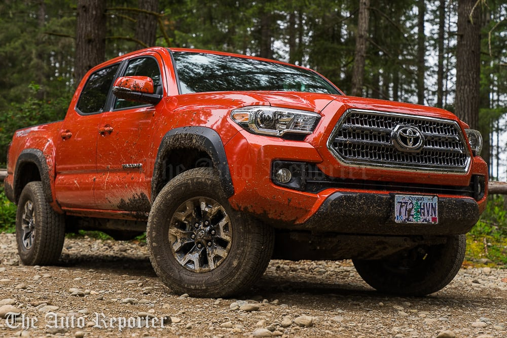 2016 toyota tacoma trd off road 4x4 gallery the auto reporter. Black Bedroom Furniture Sets. Home Design Ideas