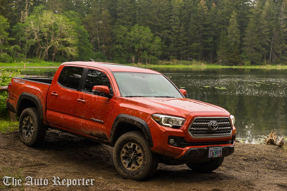 dirty truck review the 2016 toyota tacoma trd off road 4x4 the auto reporter. Black Bedroom Furniture Sets. Home Design Ideas