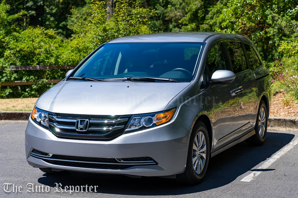 the 2016 honda odyssey is one epic minivan. Black Bedroom Furniture Sets. Home Design Ideas
