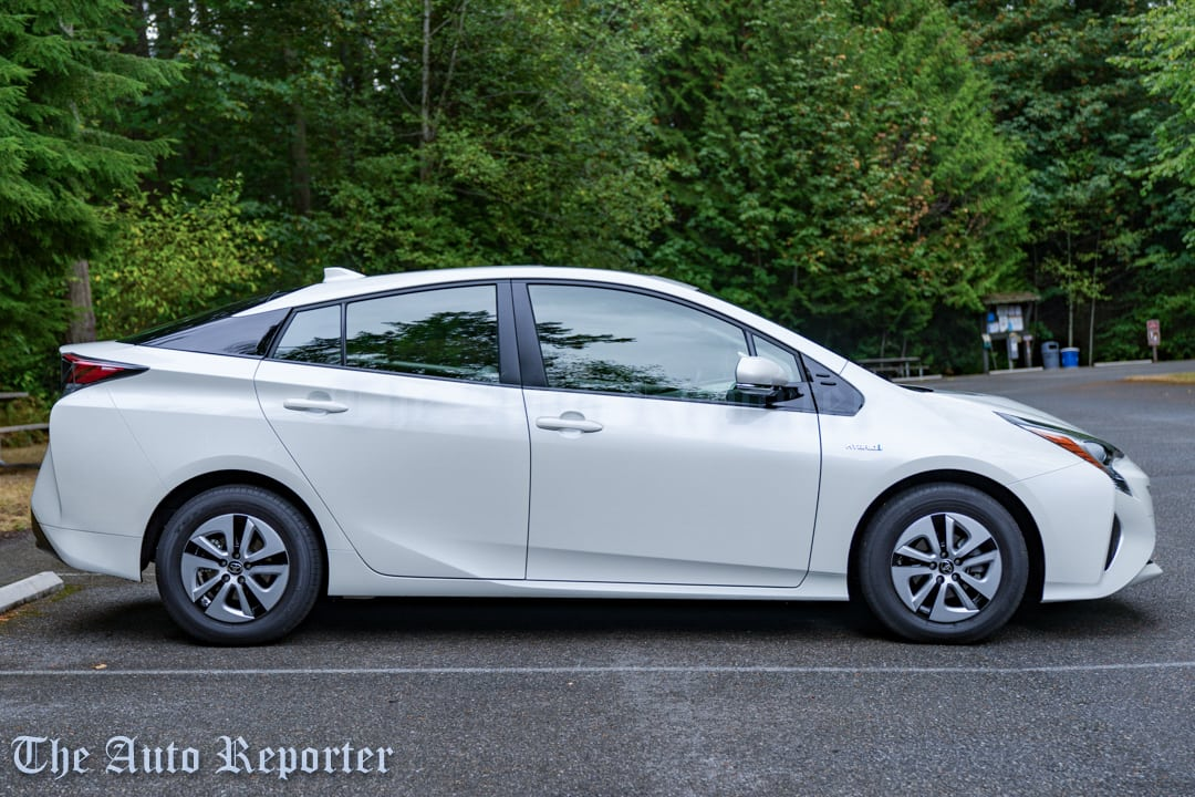 2017 toyota prius three review the auto reporter. Black Bedroom Furniture Sets. Home Design Ideas