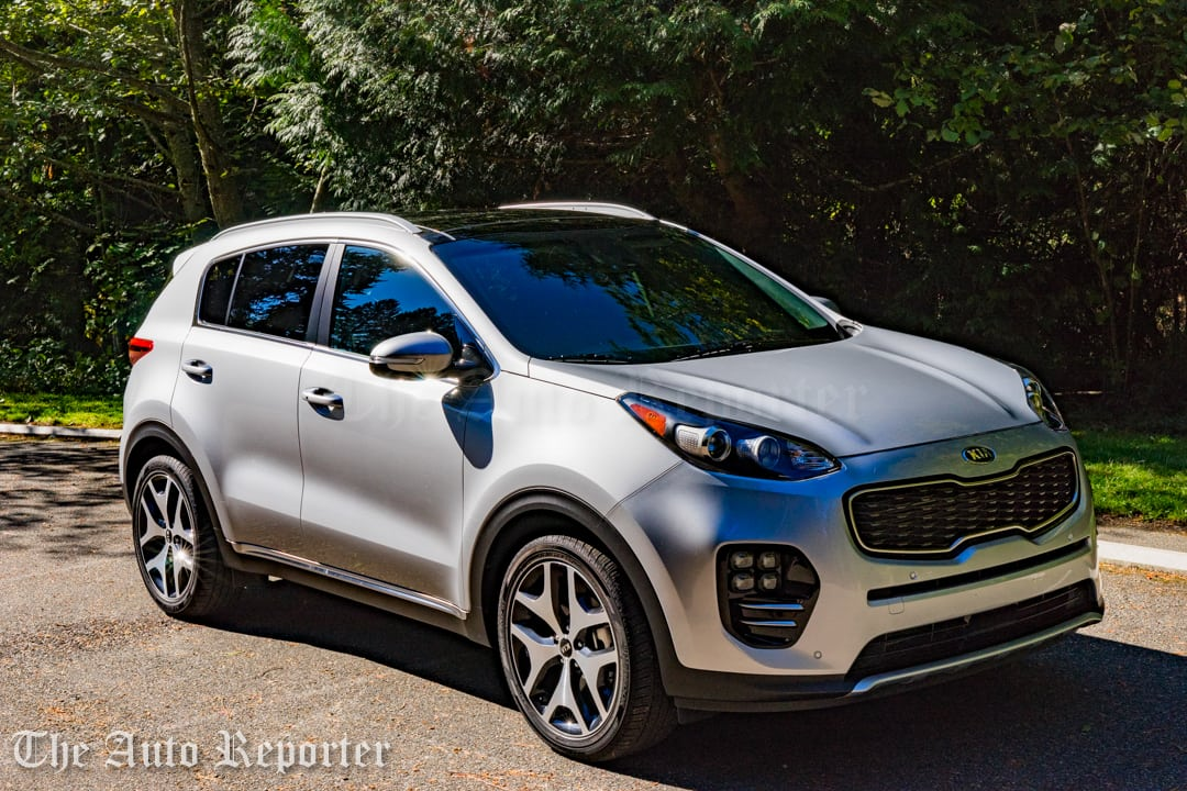 wee zoom around in the 2017 kia sportage sx turbo. Black Bedroom Furniture Sets. Home Design Ideas
